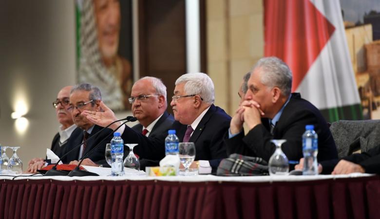 حماس تستنكر التهديدات الامريكية بحق الرئيس عباس
