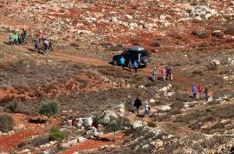 اعتقالات بالضفة والمستوطنون يجرفون اراض للمواطنين بنابلس