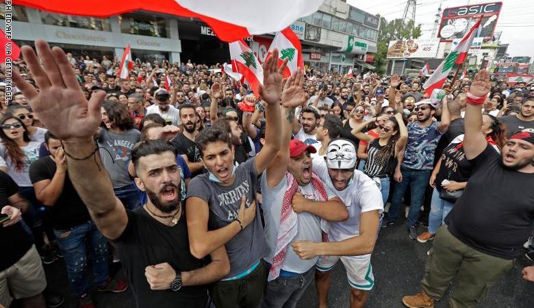 لليوم الثالث .. تجدد المظاهرات في عدة مناطق لبنانية