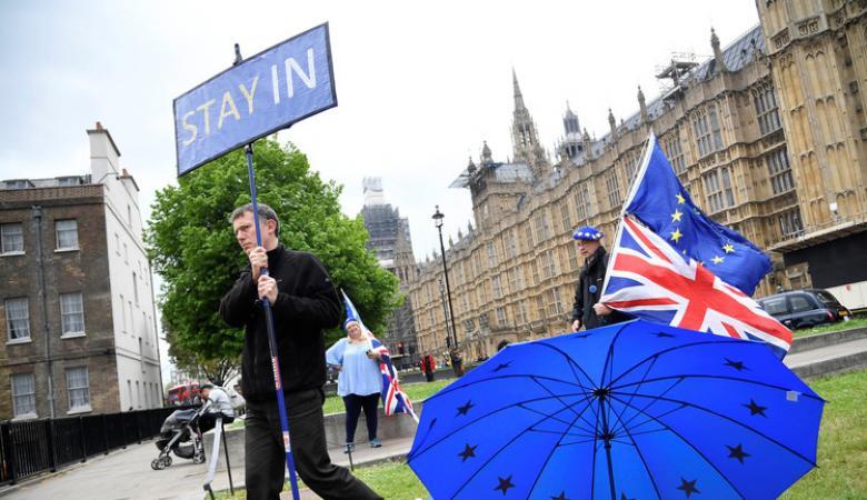 المعارضة البريطانية ترفض خطة ماي وتلميحات حول استبدالها