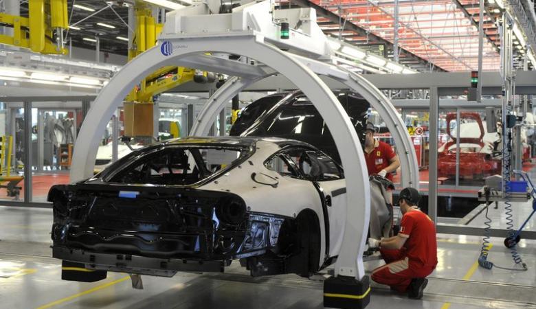 فيروس كورونا يطيح بصناعة السيارات في ايطاليا
