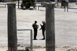 المستوطنون يقتحمون الموقع الاثري في سبسطية
