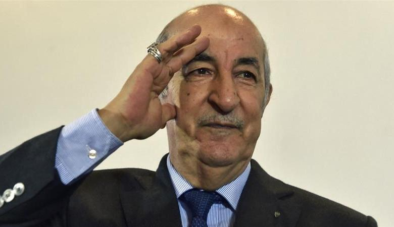 الرئيس الجزائري يعلن اصطفافه الى جانب الشباب وفتح صفحة جديدة