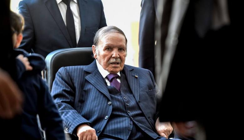الرئيس الجزائري يعلن عدم ترشحه لولاية رئاسية خامسة