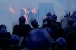 الجزائر: إصابة 56 شرطي و7 مواطنين خلال المظاهرات ضد بوتفليقة