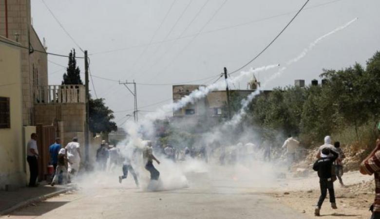 إصابات بالاختناق خلال قمع الاحتلال لمسيرة كفر قدوم الاسبوعية