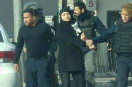 اعتقال فتاة على معبر قلنديا بزعم محاولة دهس جنود