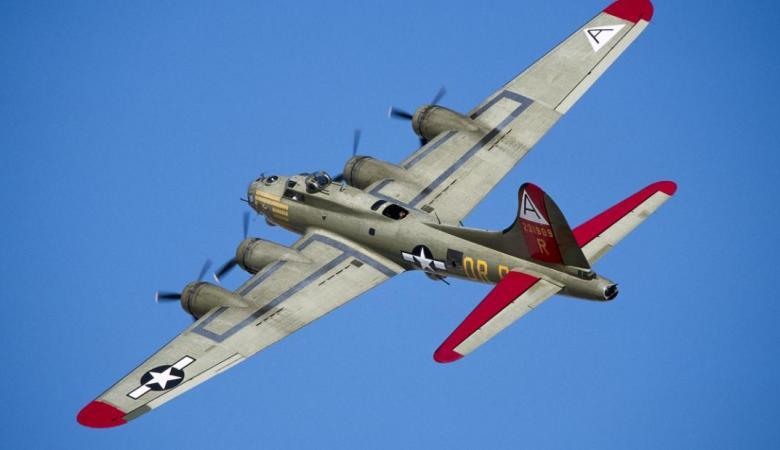 7 قتلى في تحطم قاذفة من الحرب العالمية الثانية في الولايات المتحدة