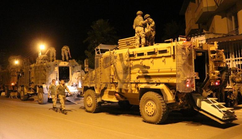 تركيا تحشد قواتها إلى الحدود مع سوريا