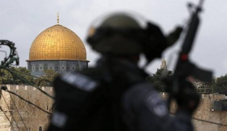 قوات اسرائيلية مدعومة بالوحدات الخاصة تقتحم الاقصى