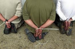 هآرتس : فتح تحقيق مع ضابط شاباك قام بتعذيب أسرى فلسطينيين