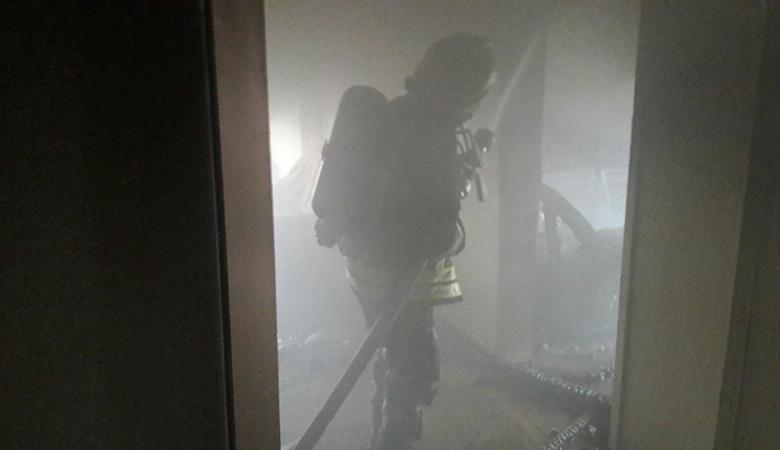 إصابة مسنة بحالة اختناق في حريق شرق نابلس