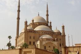مصر توقف الصلاة في جميع مساجد الجمهورية