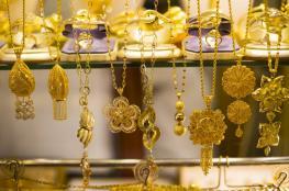 الذهب يرتفع ليصبح عند أعلى سعر في عام