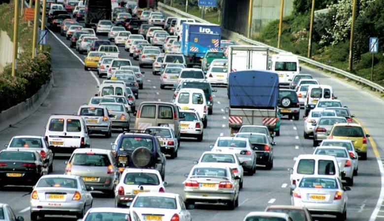 بنك اسرائيل يشن هجوما على الحكومة لتخفيضها الضريبة على السيارات