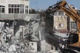 جرافات الاحتلال تهدم سورا استنادياً غرب بيت لحم