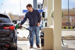 انخفاض اسعار البنزين  بـ 14 أغورة للتر الواحد