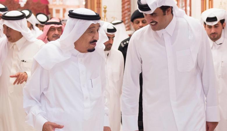 أمير قطر يتلقى دعوة من الملك سلمان للمشاركة بالقمة الخليجية