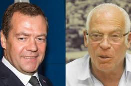 وزير الزراعة الاسرائيلي يهدي رئيس وزراء روسيا طائرة بقيمة 200 الف شيكل