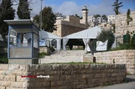 وزير الاوقاف : ما يقوم به المستوطنون في ساحات الحرم الابراهيمي تطور خطير