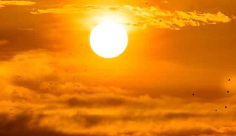 حالة الطقس: أجواء حارة وجافة والتحذير من التعرض لأشعة الشمس المباشرة