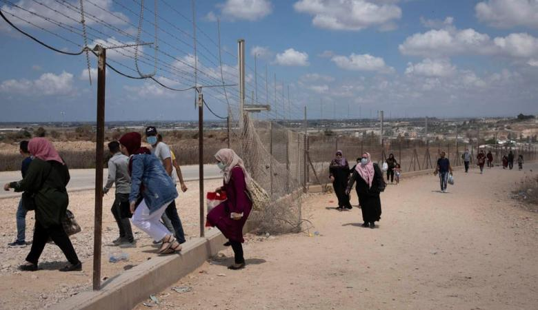 العبور الى الاراضي المحتلة ..تهديد اسرائيلي للفلسطينيين