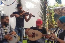 فلسطينيون يشاركون المستوطنين بأعيادهم جنوب بيت لحم