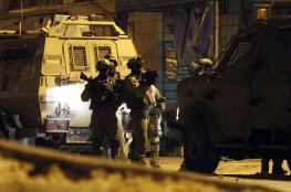 الاحتلال يطلق النار على مركبة ويعتقل سائقها جنوب الخليل