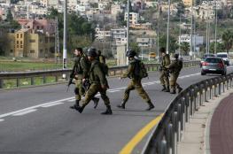 جيش الاحتلال يكثف البحث عن منفذي عملية نابلس
