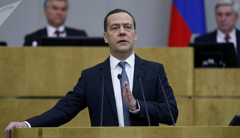 ميدفيديف : اميركا أعلنت الحرب على روسيا