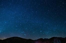 هل تعلم كم هو عدد النجوم التي نستطيع رؤيتها بالعين المجردة؟