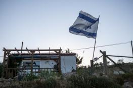 مستوطنون يضعون بيوتا متنقلة في المستوطنات المقامة بنابلس