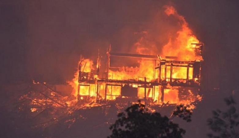 كاليفورنيا الأمريكية المحترقة تعلن حالة الطوارئ لمواجهة الأسوء