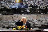 فتح ترد على اقتطاع اموال الفلسطينيين : القيادة لن ترضخ للابتزاز