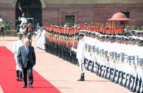 الرئيس محمود عباس يصل الهند في زيارة رسمية