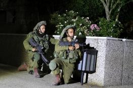 الخليل : الاحتلال يعتقل 4 مواطنين من يطا وحلحول