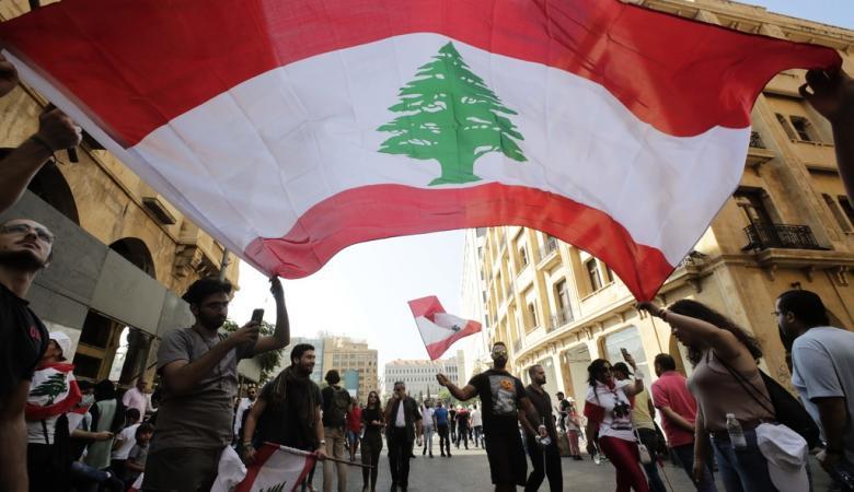 """وزير المالية اللبناني يتودد المتظاهرين: """"بدأنا خطوات إصلاحية جدية """""""