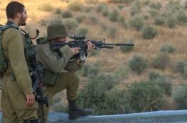 """الاحتلال يزعم العثور على قطعة سلاح على حاجز """"بيت ايل """" شمال رام الله"""