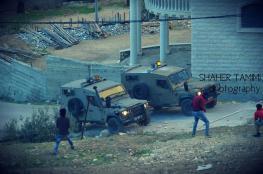 الاحتلال يقطع الكهرباء بالكامل عن دير نظام شمال غرب رام الله ويغلق مدخلها