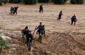 تواصل عمليات البحث عن مفقودين جراء السيول في محافظة مأدبا الأردنية