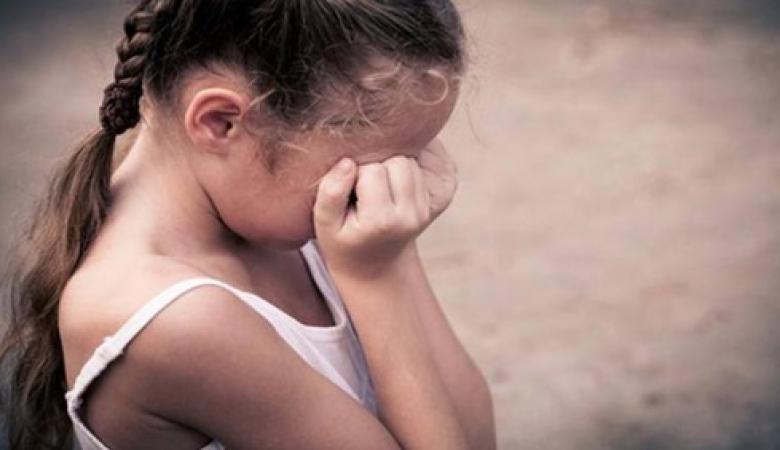 """بعلم الام ....اغتصاب طفلة """" 6 سنوات """" من قبل جدها وخالها شرق القدس"""