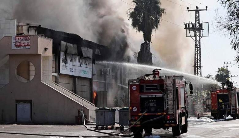القناة 12: صاروخ يصيب مصنعا بشكل مباشر في سديروت