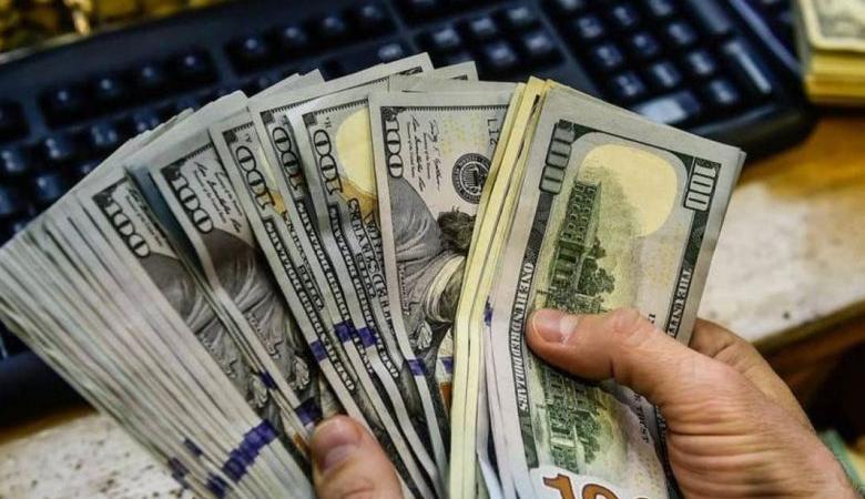 الدولار يتراجع امام الشيكل