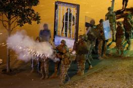 وزير الدفاع اللبناني يحذر من حمل الأسلحة أثناء الاحتجاجات
