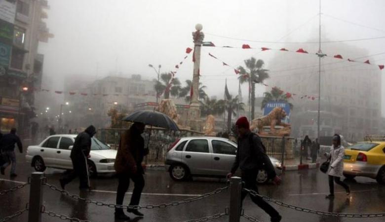 الطقس: أمطار وفرصة لزخات ثلجية خفيفة فوق مرتفعات 900 متر