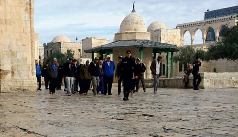 المستوطنون يقتحمون المسجد الأقصى المبارك