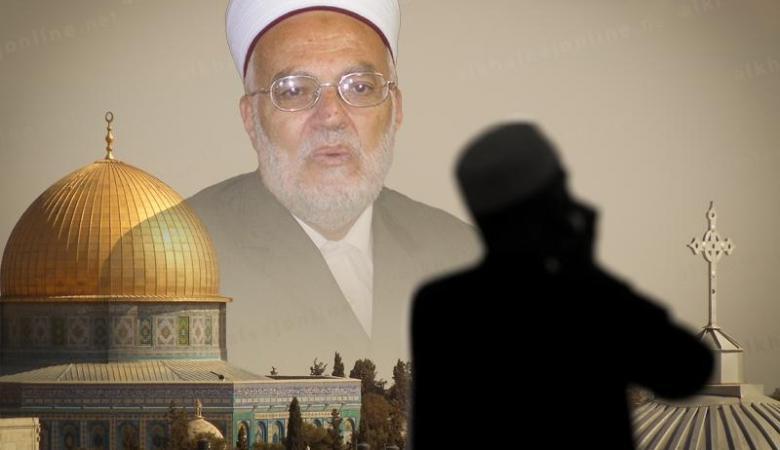 """الاحتلال يبعد الشيخ """"عكرمة صبري """" عن المسجد الأقصى"""