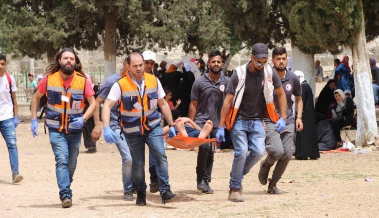 الهلال الأحمر: طواقمنا تعاملت مع 95 حالة في المسجد الأقصى
