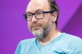 """مؤسس """"ويكيبيديا"""" يعلن تأسيس منصة منافسة لـ""""فيسبوك"""""""
