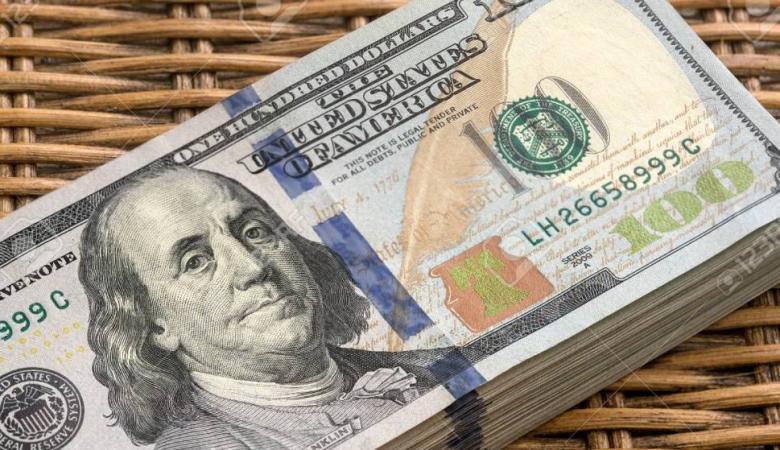 الدولار يواصل التراجع لأدنى مستوياته امام الشيكل منذ عامين